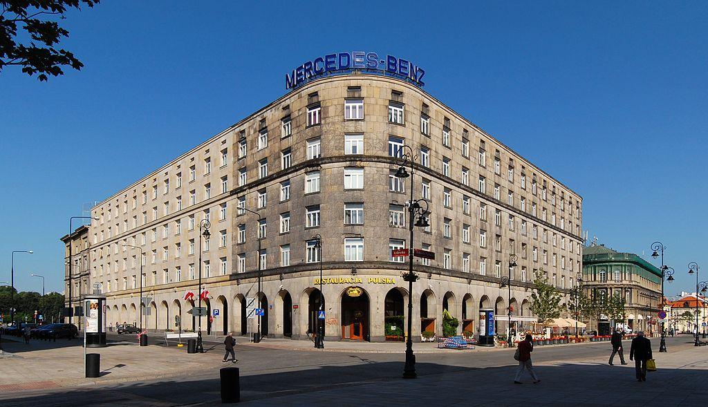 1024px-Warszawa_dom_bez_kantów_2009