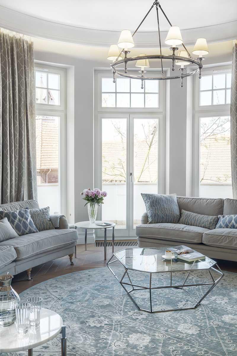 Salon projekt Katarzyna Kraszewska | Dekoracja okna wykonana w Internity Home