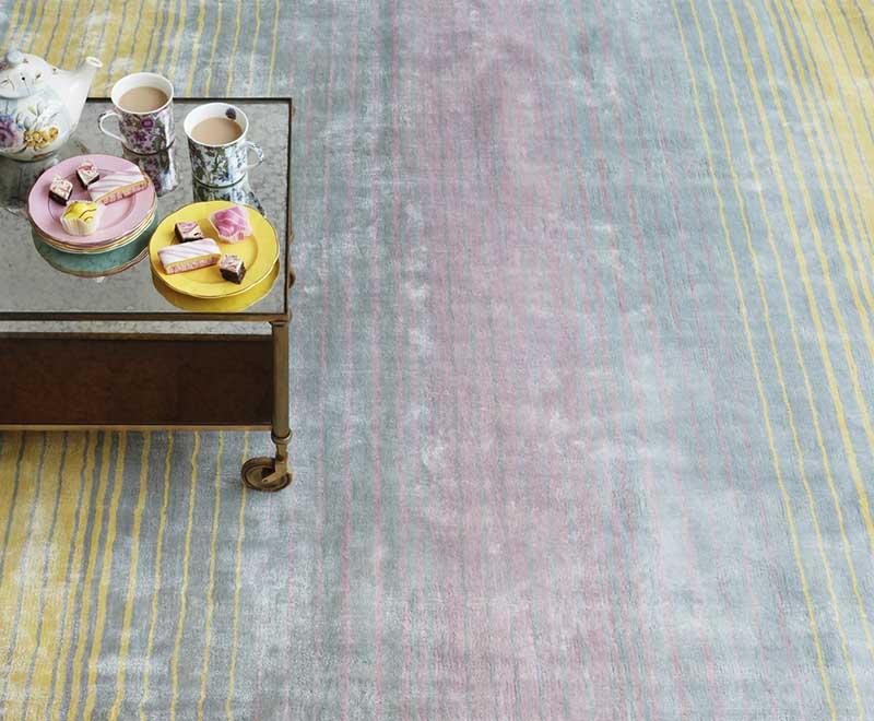 Co powiecie na kolorowy dywan z efektem tęczy? (na zdjęciu dywan Holborn Pastel LS marki Mooqo)