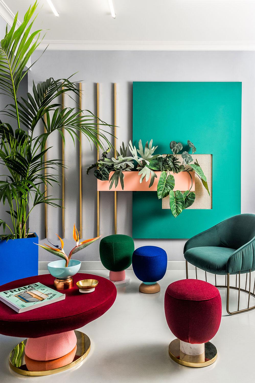 Rok 2018 będzie należał do intensywnych kolorów we wnętrzach | źródło: yatzer.com