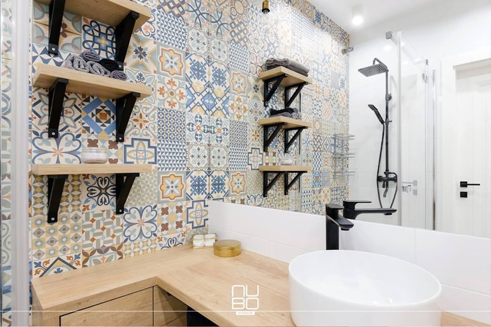 Wzorzyste płytki w łazienki - dostępne w naszych showroomach!