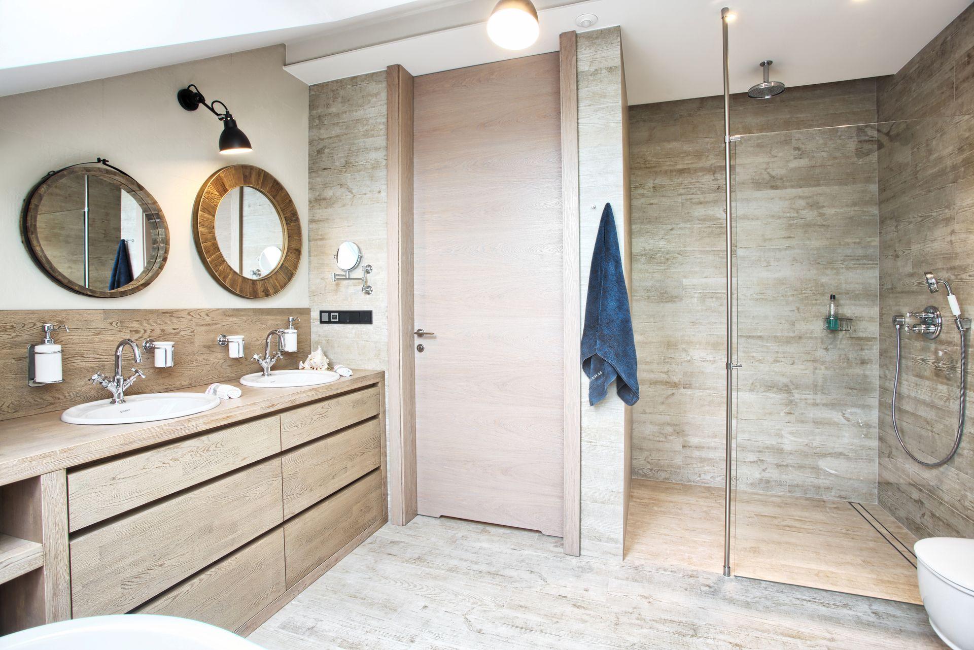 Odpływ liniowy w łazience | proj. emDesign