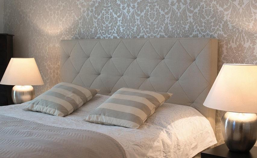 ściana W Sypialni łączymy Kolory Wzory I Fakturę