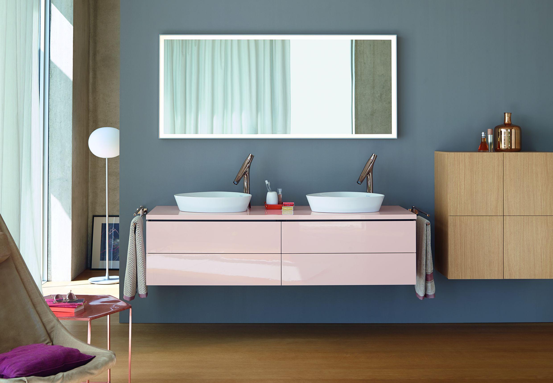 Pastelowo różowa szafka łazienkowa od Duravita - dostępna u nas