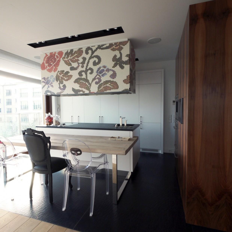 Drewniana kuchnia z mozaiką od Bisazzy | proj. Indoor