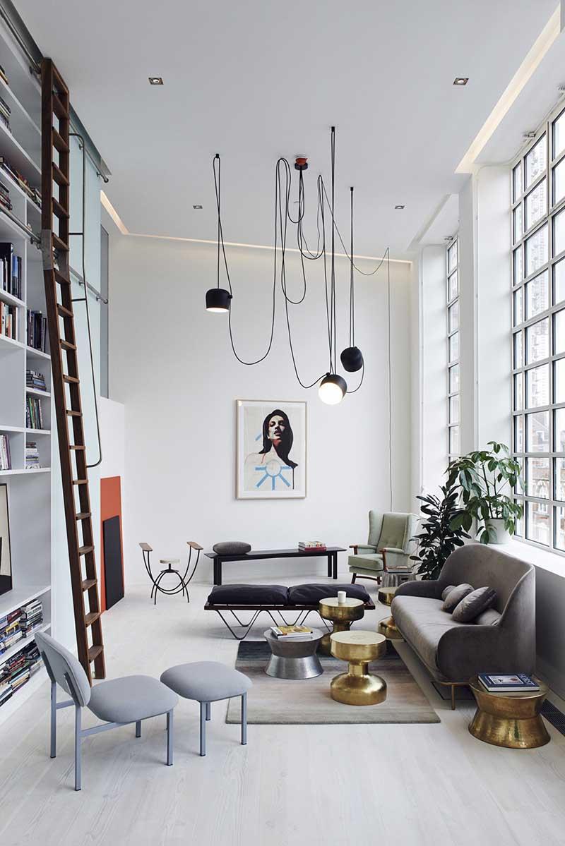 Czarne lampy w industrialnym stylu w skandynawskim wnętrzu