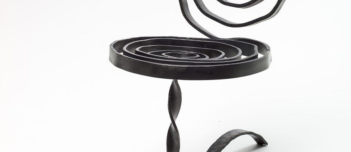 """Krzesło """"Sprężyna"""", 1992, autor projektu: Tomasz Augustyniak"""