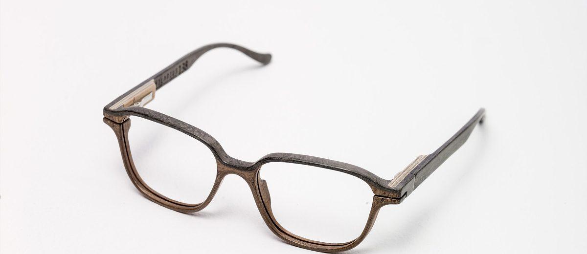 """Drewniane oprawki okularów """"Hilarius"""", 2015, autor projektu: Łukasz Maziarz; produkcja: Hilarius"""