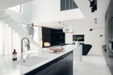 Dom w klimacie black & white | proj. MAKA.STUDIO, photo: Tom Kurek
