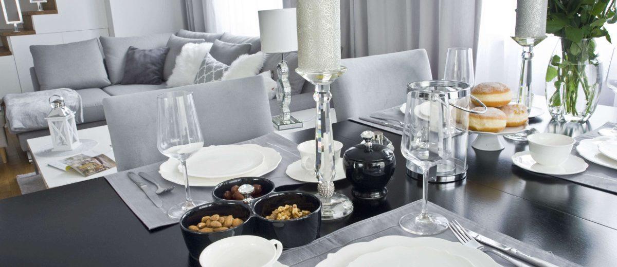 Eleganckie nakrycie stołu w projekcie Magdaleny Miśkiewicz
