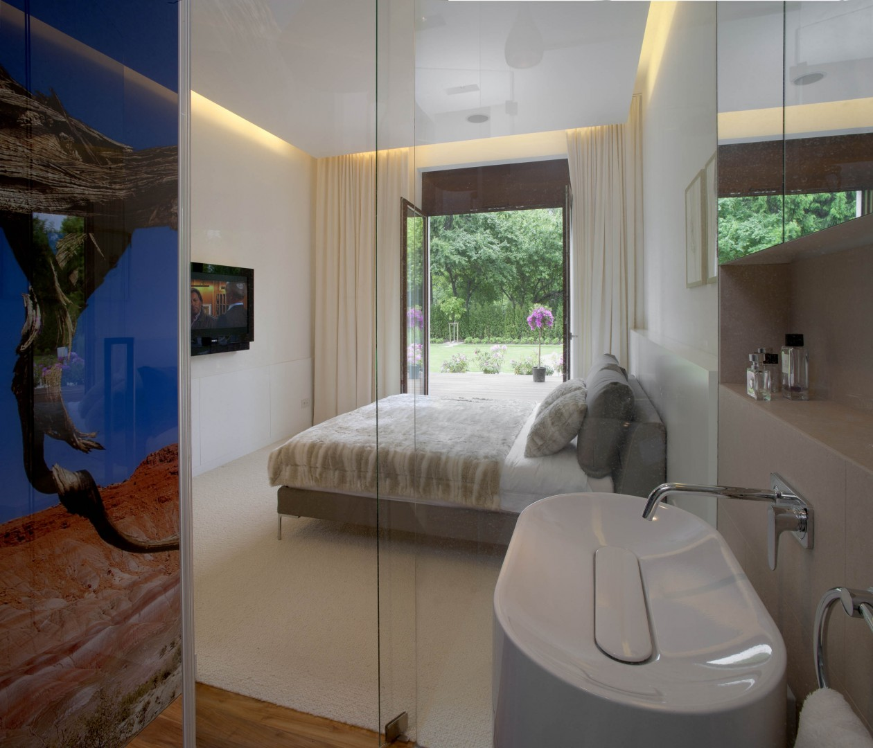 Łazienka w sypialni za przeszkleniem | proj. Exit Design