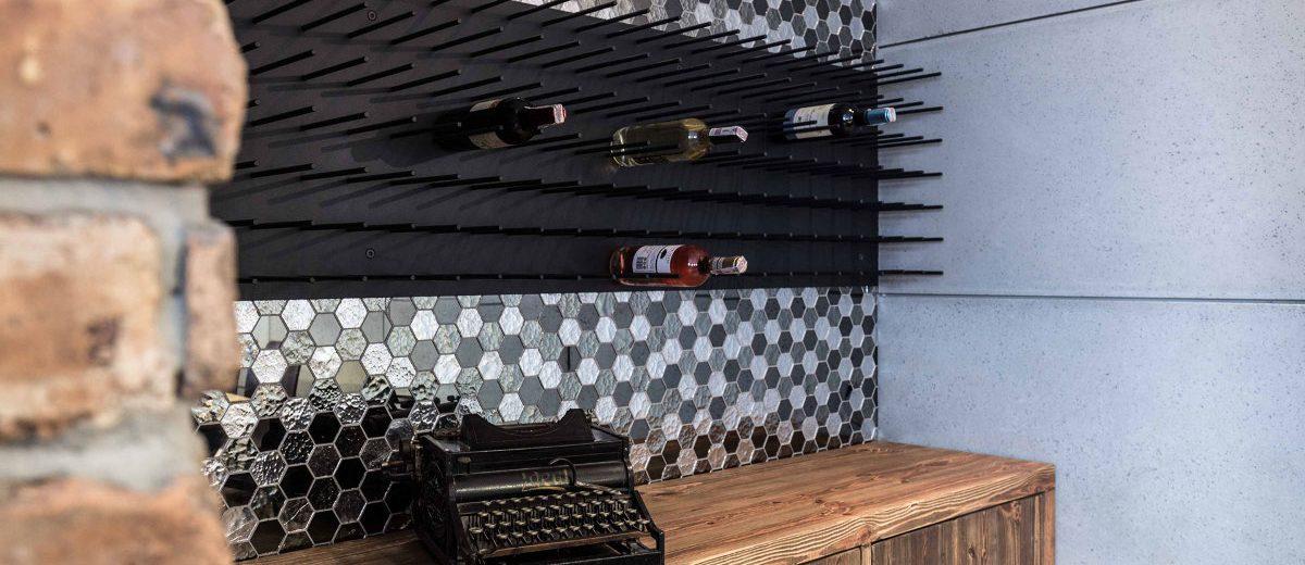 Oryginalne miejsce do przechowywania wina | proj. One Design (Katarzyna Barbella-Aponte)