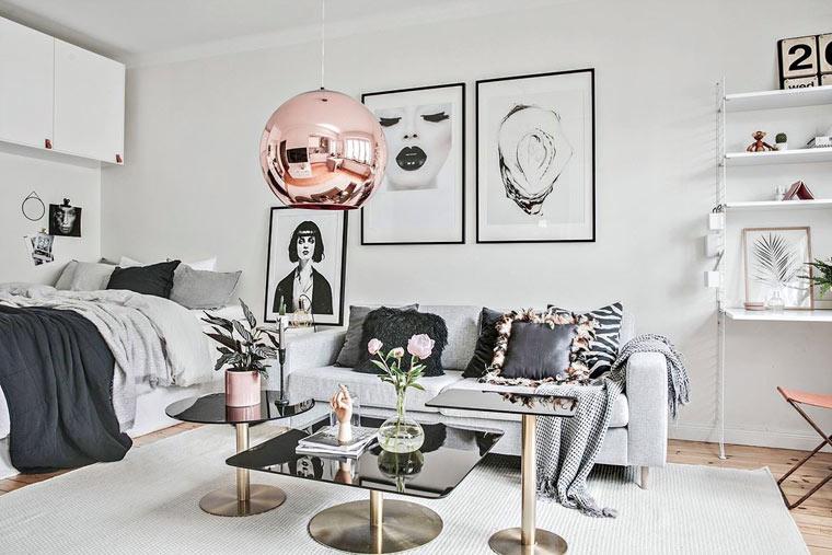 Pokój łączony salon i sypialnia w stylu skandynawskiego glamour