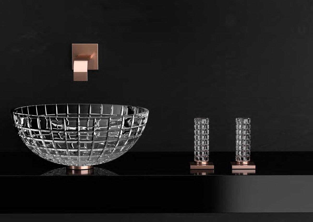 Kryształowe umywalki i baterie Glass Design są dostępne w naszych showroomach