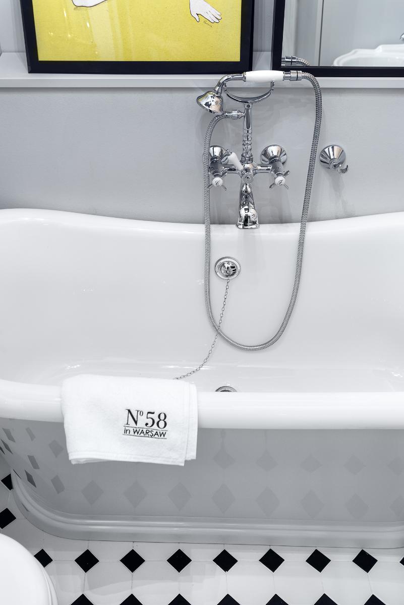 Łazienka z wanną w retro stylu | proj. lummo.