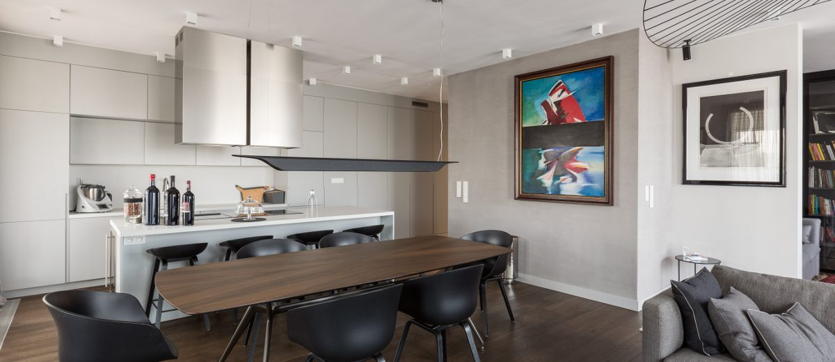 Kuchnia otwarta na salon z jadalnią | proj. Dmowska Design