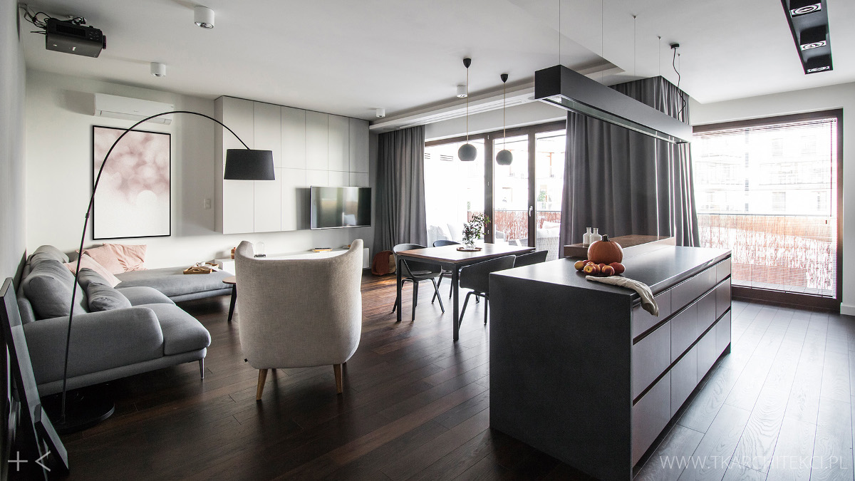 Elegancki Apartament Z Ciemną Podłogą Proj Tk Architekci