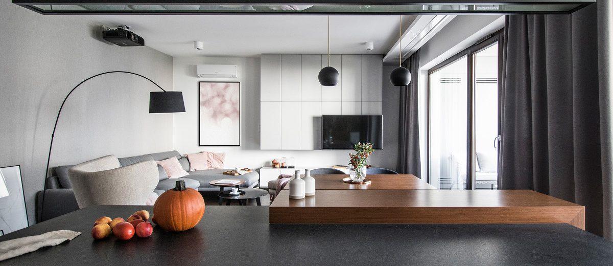 Widok na apartament z otwartej kuchni | proj. TK Architkeci