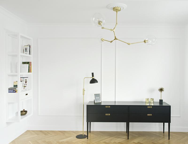 Komoda wg. projektu arch. Magdy Miśkiewicz, która zachwyca minimalistyczną formą i dopracowaniem w każdym detalu