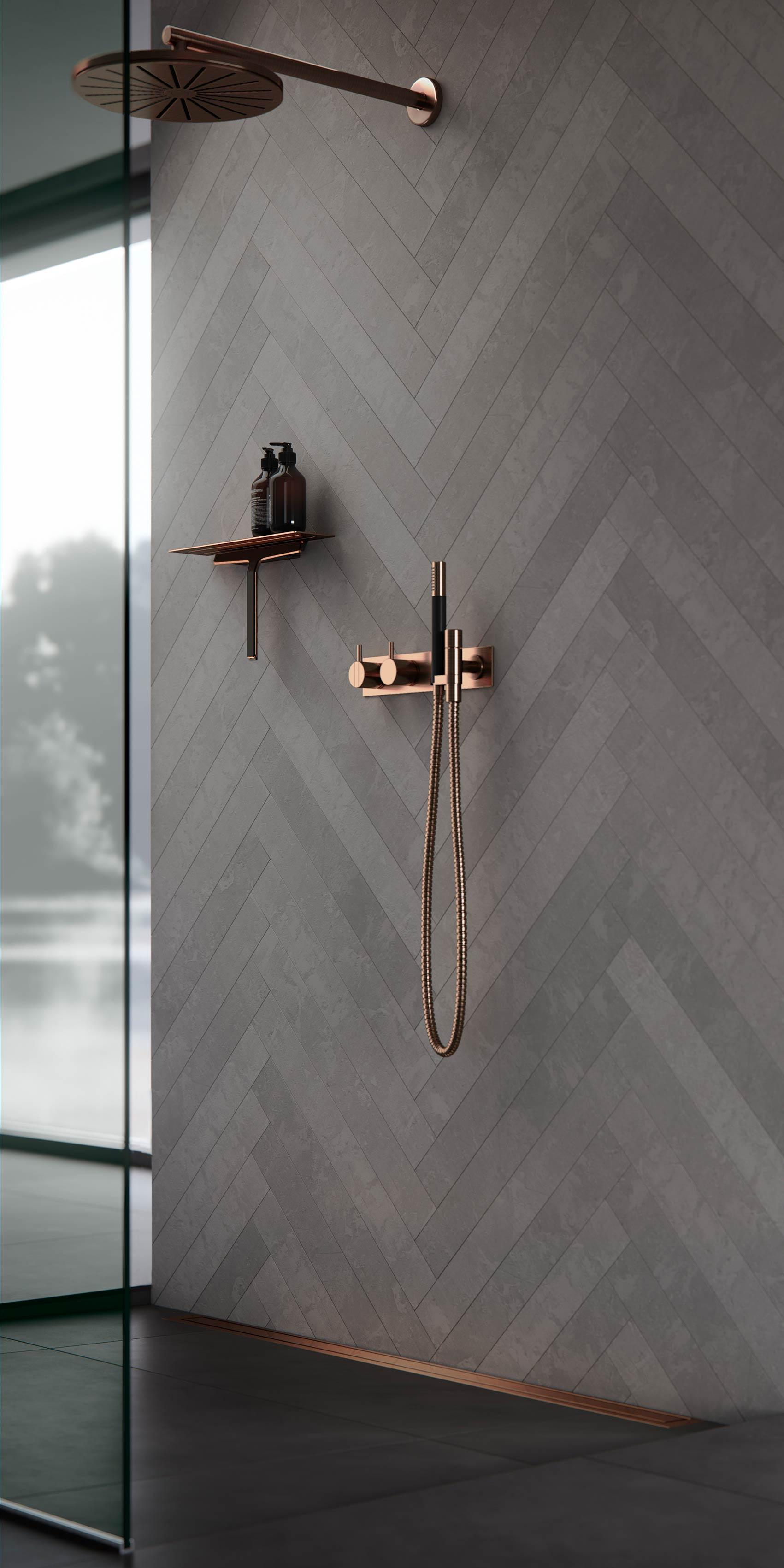 Zestaw prysznicowy w kolorze złotym