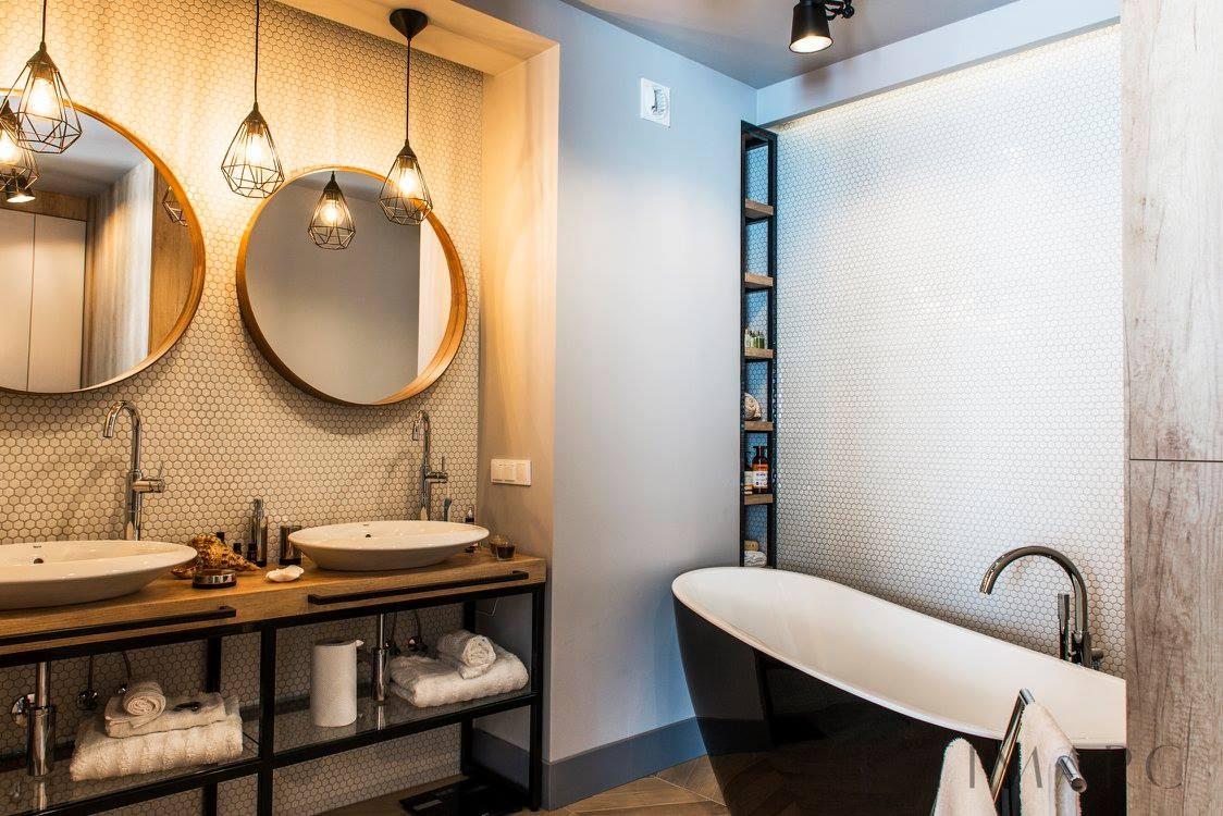 Łazienka w stylu eklektycznym | proj. Tim Arc by Tim Grey