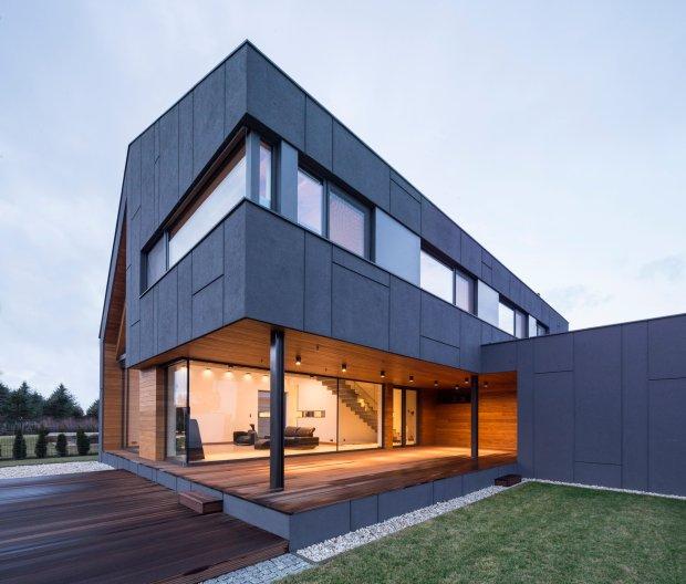 Dom nagrodzony tytułem Fasada Roku Baumit 2015 (Nagroda Internautów oraz Nagroda Jury w kategorii Budynek Jednorodzinny Nowy), Zielonki Wieś BECZAK/BECZAK Architekci