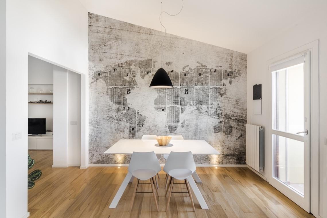 Tapeta Wall and Deco na ścianie w jadalni