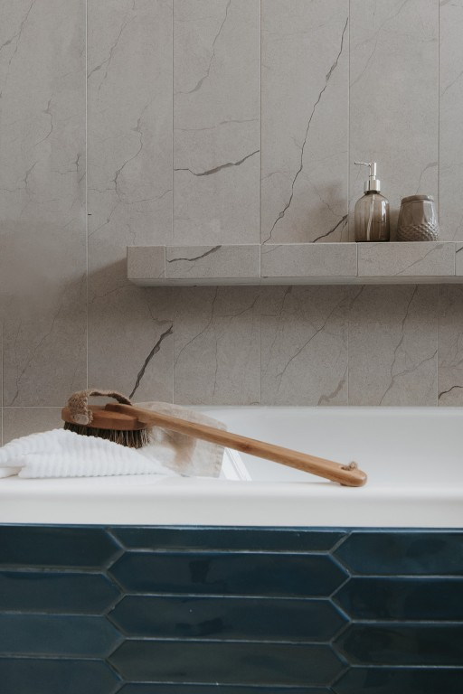 Piękna ceramika jest podstawą aranżacji łazienki