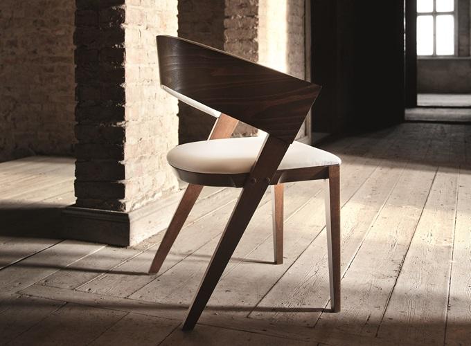 Krzesło Fameg model 1404 dostępne w Internity Home i Prodesigne