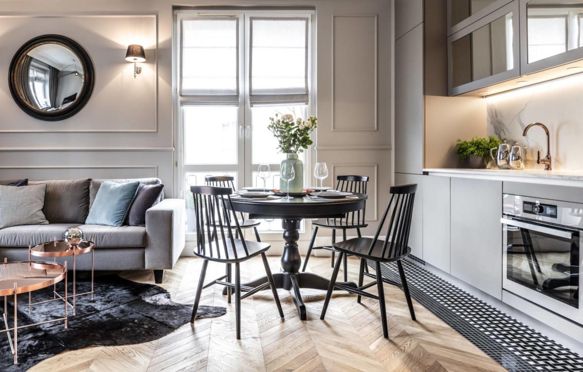 Salon z kuchnią w 36 - metrowym mieszkaniu | proj. SAS Wnętrza i Kuchnie