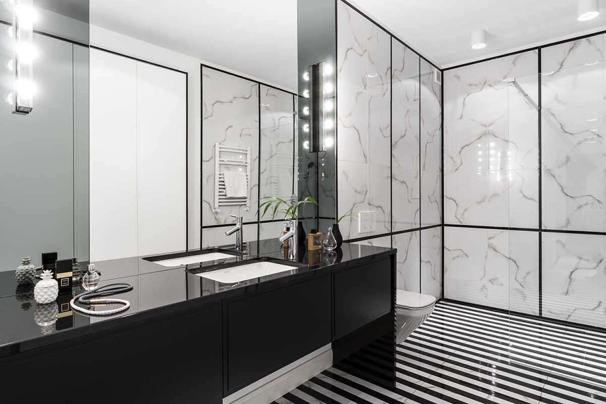 Projekt łazienki z marmurowymi płytkami Ricordena | Mana Design