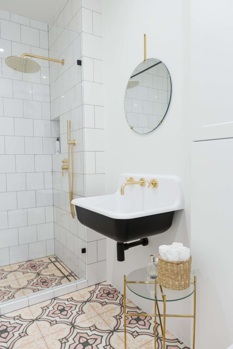 Łazienka w romantycznym klimacie | proj. Dash Interiors