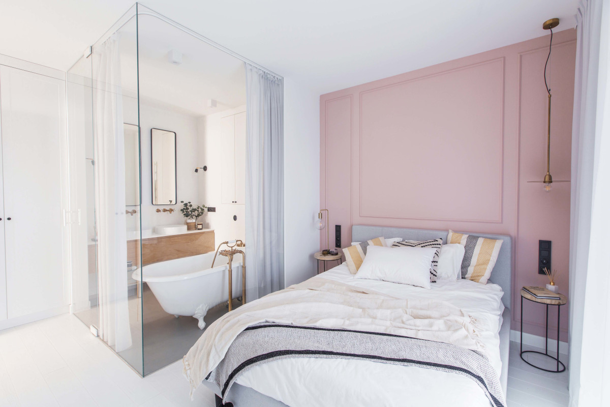 Projekt sypialni z mini salonem kąpielowym | proj. Dash Interiors