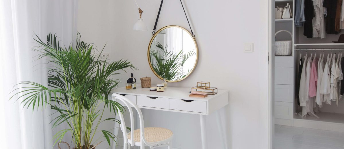 Toaletka w sypialni | proj. Dash Interiors