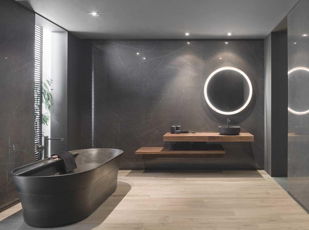 Płytki X Light Premium Liem marki Urbatek na ścianach w łazience