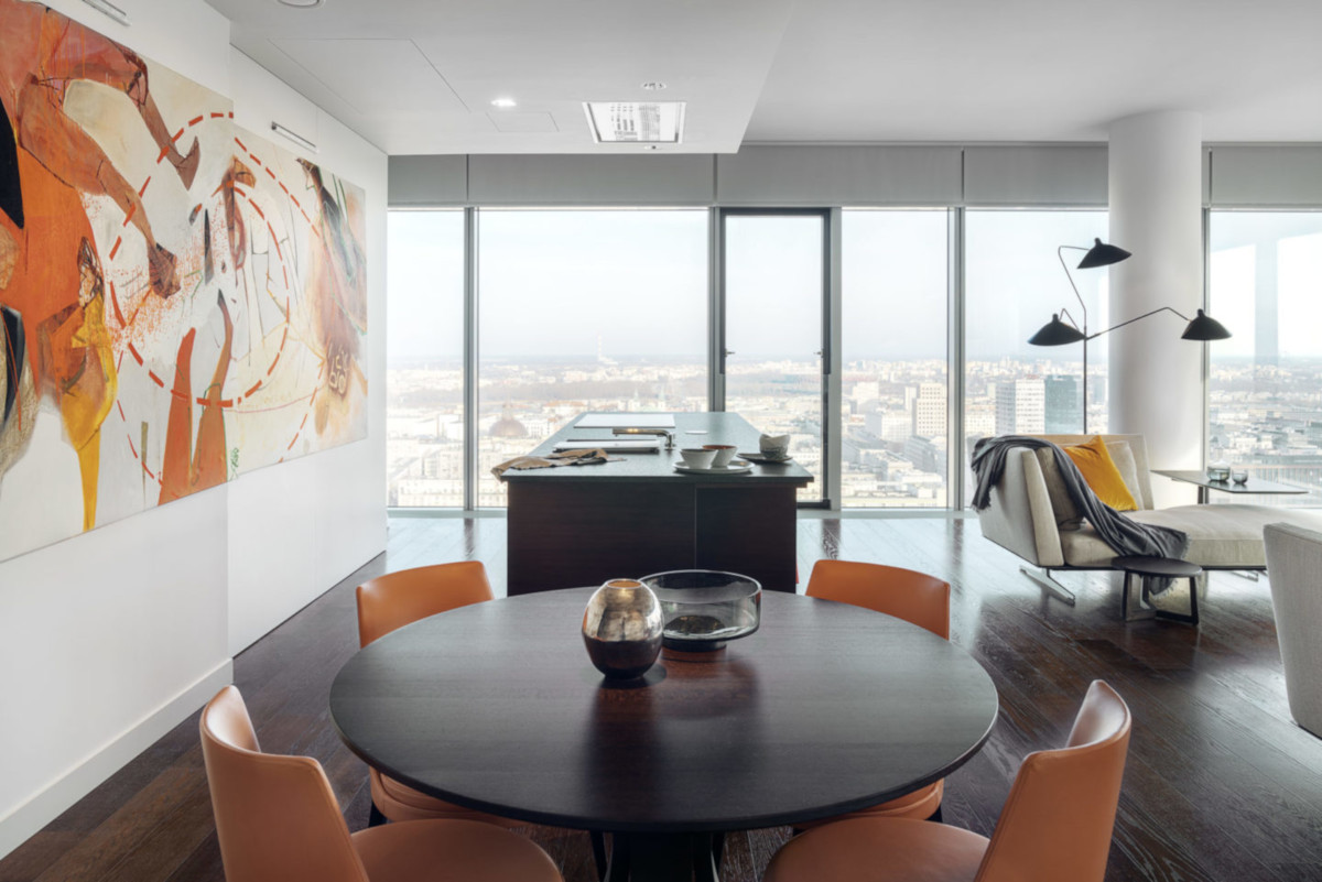 Apartament na 26 piętrze ze spektakularnym widokiem na centrum Warszawy | proj. Katarzyna Kraszewska