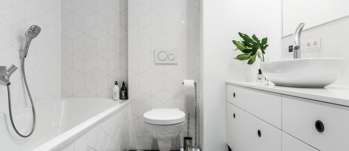 Łazienka w geometryczne płytki | proj. Mana Design