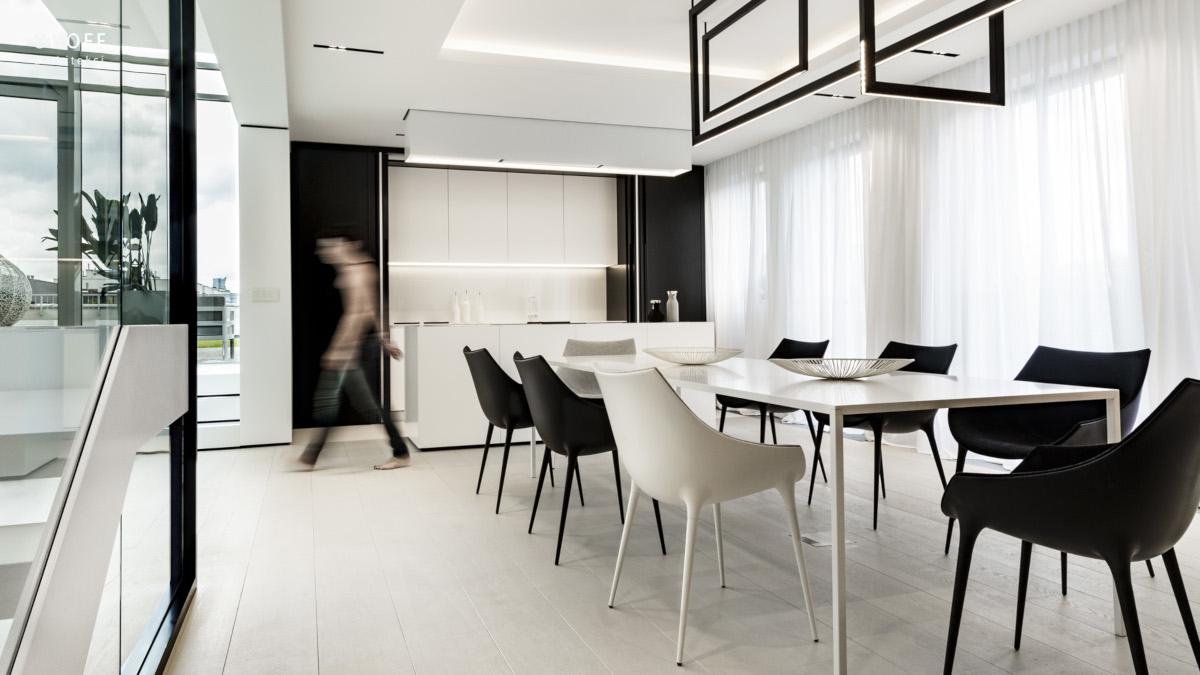 Stół Desalto w projekcie Aleksandry Karpińskiej (zdj. Rafał Poławski)