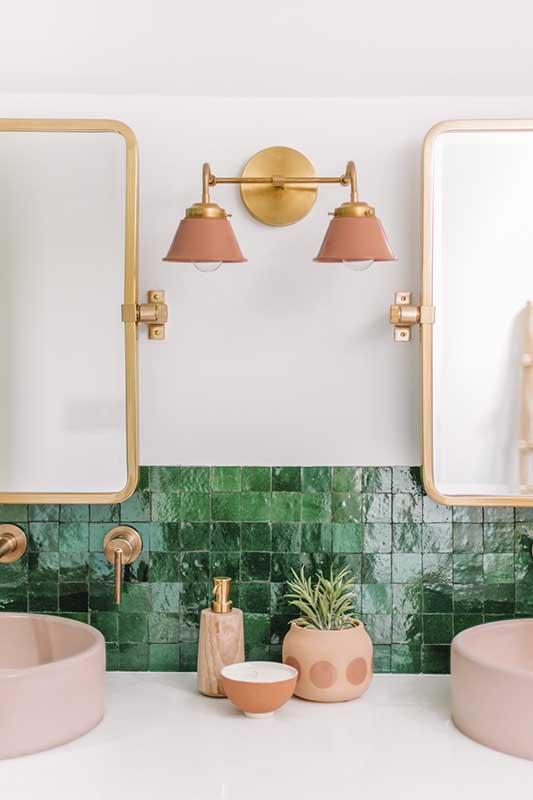 Zielone płytk w łazience