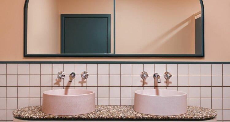 łazienka w stylu wesa andersa