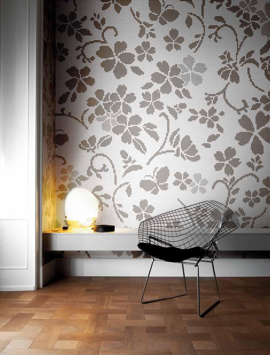 Ściana ozdobiona mozaiką marki Bisazza (brand dostępne w naszych showroomach)