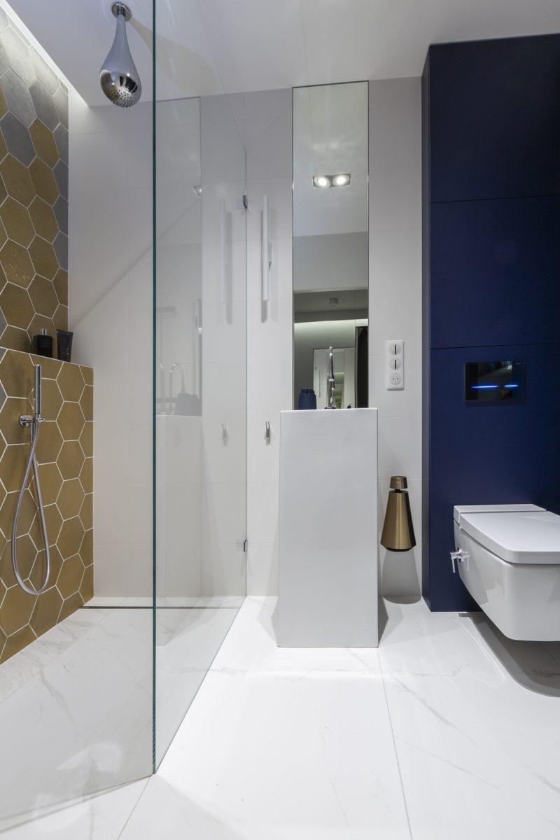 Mała łazienka | proj. Marker Studio, zdj. Jaga Kraupe