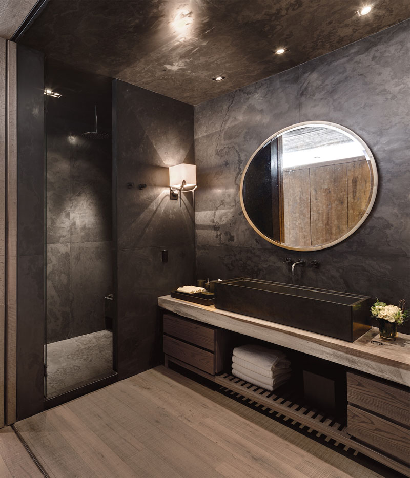 CC Arquitectos designed this bathroom