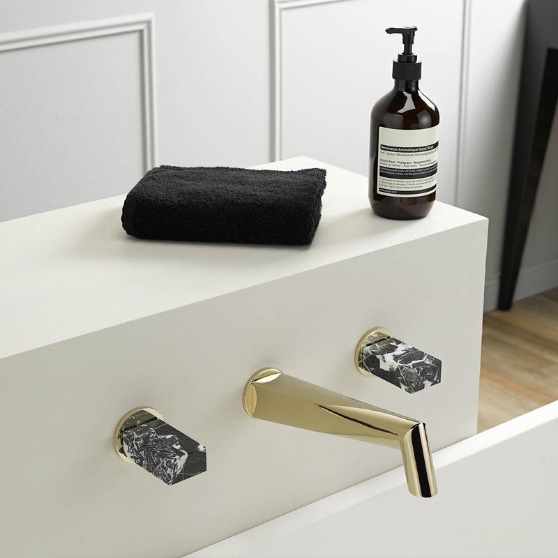 Złote baterie francuskiej marki THG możesz zamówić w naszym showroomie: Internity Home lub Prodesigne
