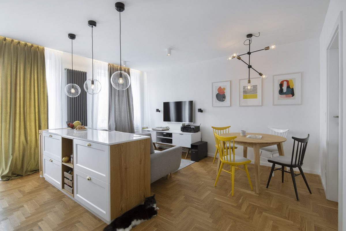 Kuchnia otwarta na mały salon | proj. Madama