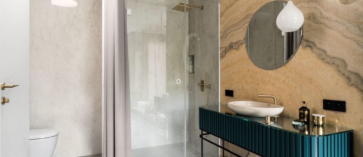 Salon kąpielowy w sypialni master (proj. Magma, zdj. Fotomohito)