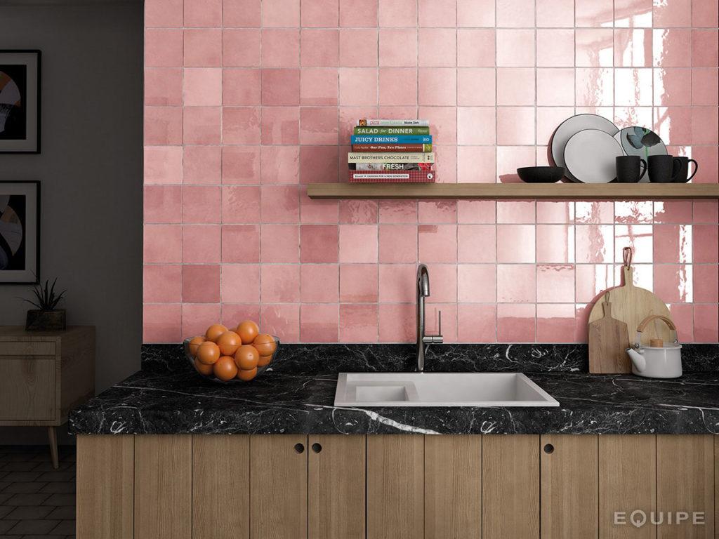 Różowe płytki Artisan Equipe dostępne w Inyterbity Home i Prodesigne