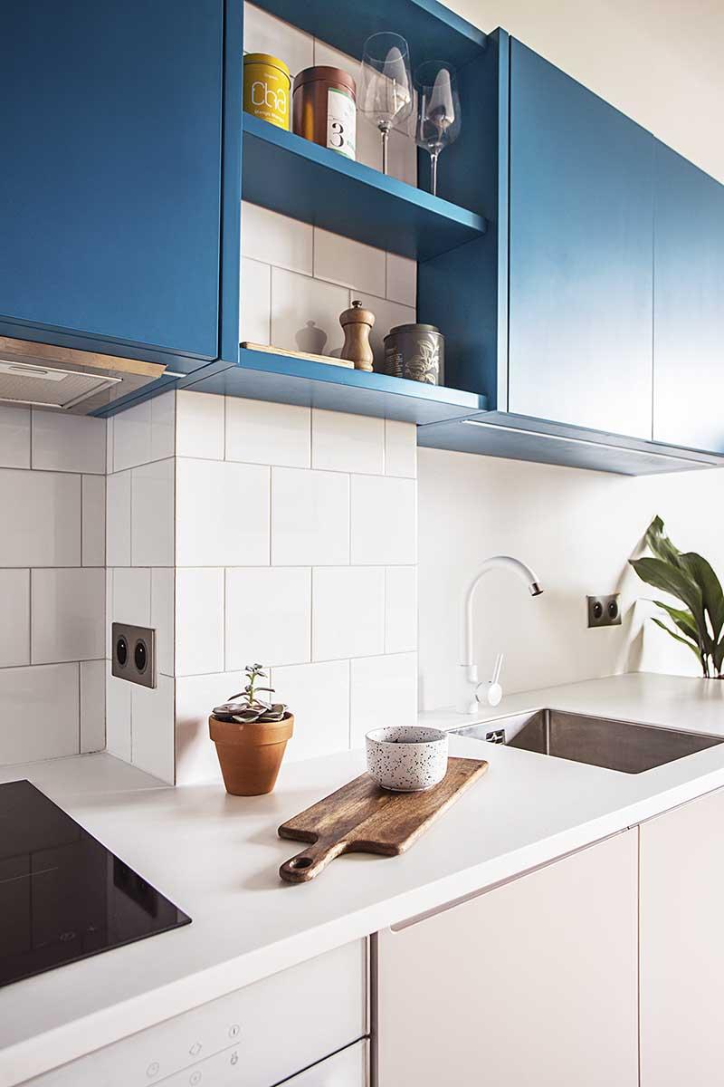 Małe 18 metrowe mieszkanie z charakterem | Projekt pracowni Schudy Studio