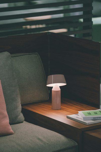Oświetlenie tworzy klimat | Lampka Bicoca od Marset jest dostępna w naszych showroomach