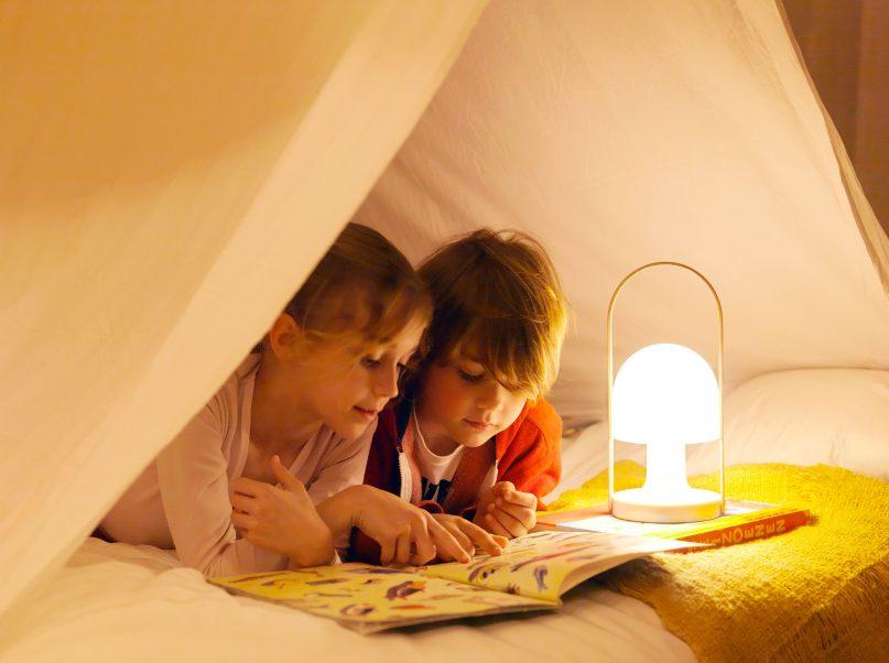 Lampka FollowMe od Marset jest dostępna w naszych showroomach Internity Home i Prodesigne